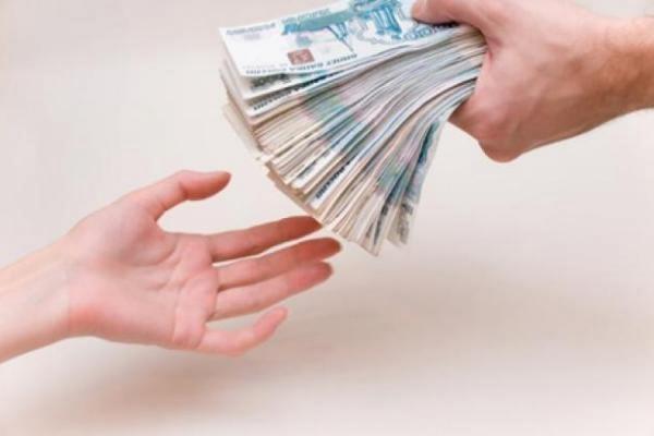 Банки начали применять досудебный порядок взыскания долгов с россиян