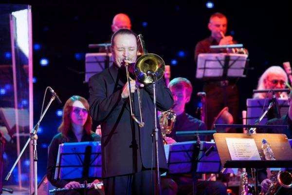 Главный екатеринбургский джазовый оркестр - Биг-бэнд Виталия Владимирова – отмечает юбилей