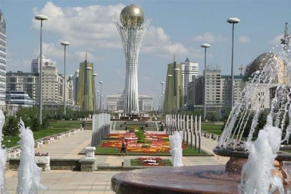 Столицу Казахстана предложили переименовать в Нурсултан или Назарбаев