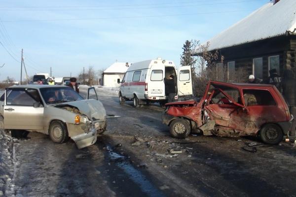 ВДТП вАртемовском пострадали 4 человека