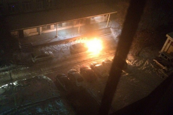 Три машины сгорели наСреднем Урале