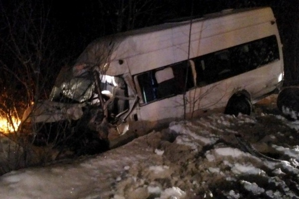 Под Качканаром в столкновении маршрутки и грейдера пострадали семь человек