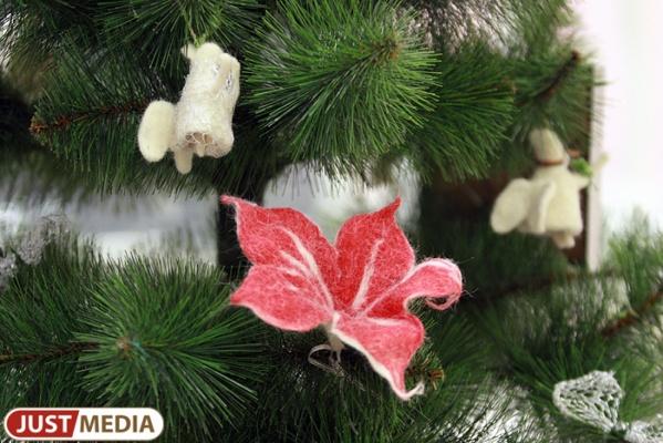 Екатеринбуржцы смастерят и оформят сотни «добрых» новогодних елок