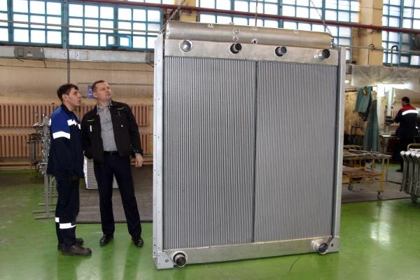В день своего рождения ШААЗ изготовил радиатор-гигант