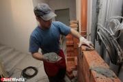 «У него есть движение вперед». Министр строительства Михаил Волков отметил хорошее развитие Ревдинского кирпичного завода