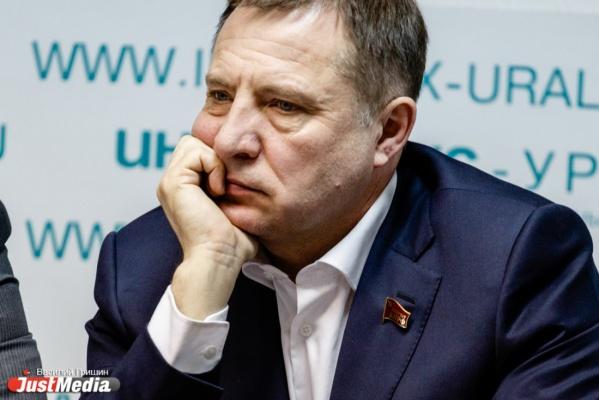 Свердловский депутат, предложивший легализовать взятки, разозлил обвинителя. «Это агенты ЦРУ»