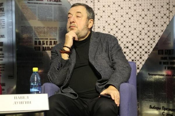 «Лет через 10 создателя «Утомленных солнцем» обвинят в очернительстве истории». Лунгин осудил выступление Михалкова