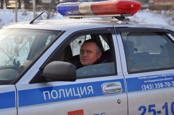 Гаишники Каменска-Уральского спасли потерявшего сознание водителя