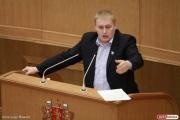 «Надо быть последовательными». Альшевских скептически отнесся к предложению министра Ткачева разрешить рекламу отечественного вина на ТВ после 22.00