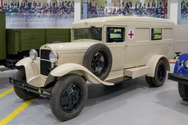 В Музее автомобильной техники УГМК появилась «фронтовая неотложка» - последний в мире ГАЗ-55