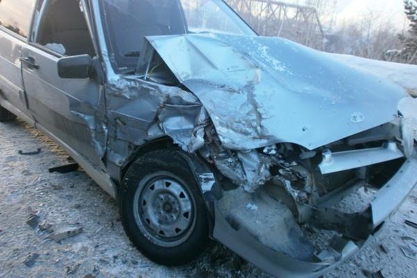 В Ревде в массовой аварии с грузовиками пострадали двое детей