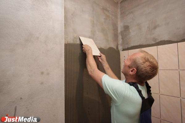 Свердловские осужденные ремонтировали квартиру одной из сотрудниц колонии в Гари