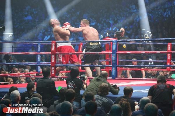 Александр Поветкин победил нокаутом Йоанна Дюопа вЕкатеринбурге