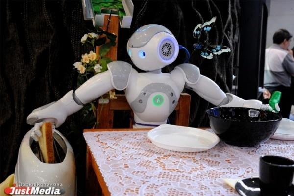 Школьники со всей страны примут участие в рабочем совещании с роботами