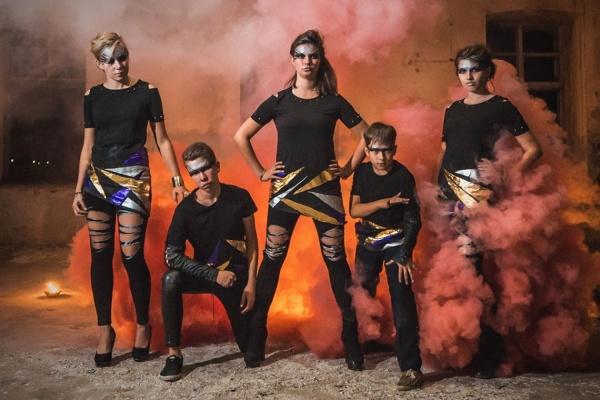 Огонь, песок и акробатические трюки. В Екатеринбурге покажут рождественское шоу, написанное воспитанниками детских домов