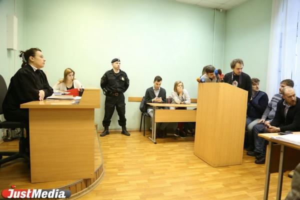 Штраф 30 тысяч рублей и лишение прав на год и семь месяцев. Депутата Карапетяна признали виновным за езду в пьяном виде