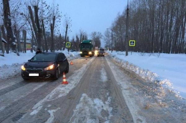 ГИБДД закрыла движение автобусов на одной из улиц Вторчермета. Следом из-за нечищеных дорог может встать весь город