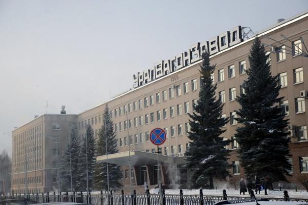 """Уралвагонзаводу"" предоставили госгарантии на 25,7 млрд рублей"