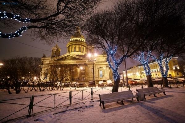 Заксобрание Петербурга просит Мединского ускорить передачу Исаакия РПЦ