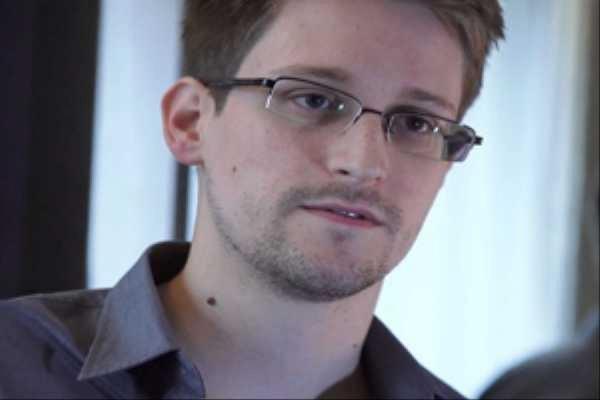 Сноудену продлили вид на жительство в России на два года