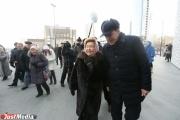 Наина Ельцина возложила цветы к памятнику супруга в честь его 86-летия. ФОТО