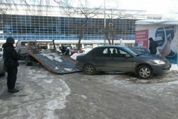 Екатеринбурженка получила от водителя, который насмерть сбил ее сына, более 100 тысяч рублей