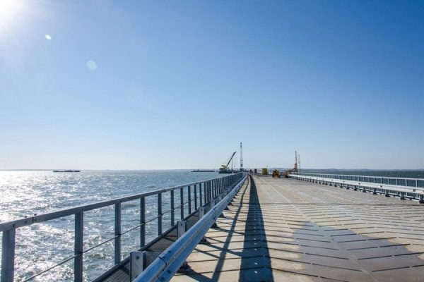 Строители начали сооружать мостовые пролеты Крымского моста