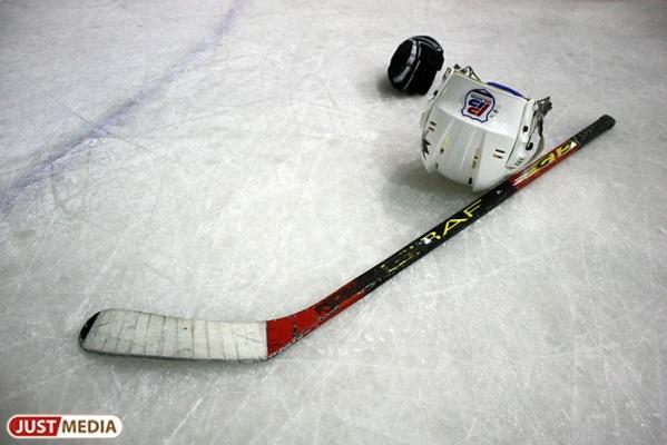 НаСеровском тракте детская хоккейная команда угодила вДТП