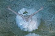 Балет в «берлинской лазури». В Екатеринбурге открывается трехактная фотовыставка, посвященная искусству танца
