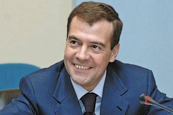 Медведев распределил 16 млн руб. премий всфере культуры
