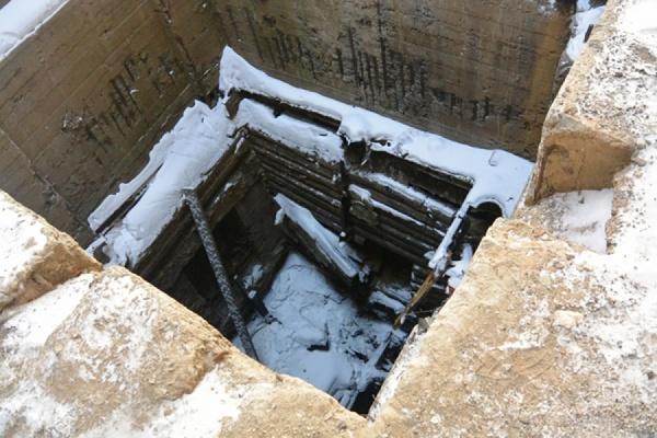 В Алапаевске школьник, делая селфи, упал в заброшенную шахту