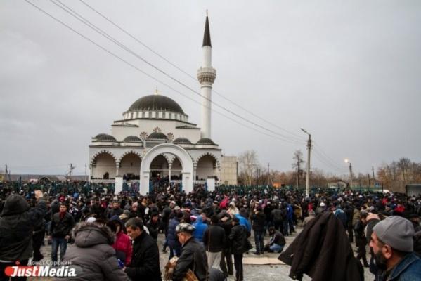 Что такое российский ислам? В Храме-на-Крови презентовали книгу о мусульманах со справкой на террористические секты