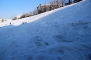 Екатеринбургский памятник клавиатуре оказался под снегом. Коммунальщики не спешат расчищать арт-объект