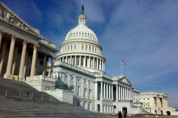 В конгресс США внесён законопроект о контроле над санкциями против России