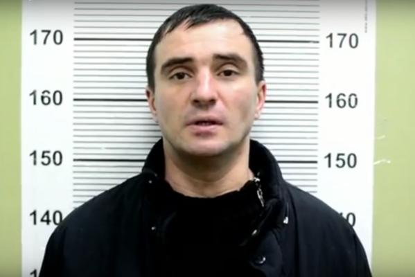В Юго-Западном районе Екатеринбурга грабитель тяжело ранил юную автоледи