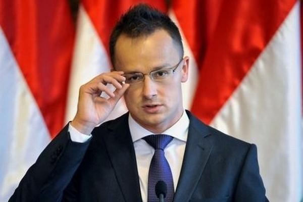 Глава МИД Венгрии рассказал об условиях снятия санкций с России