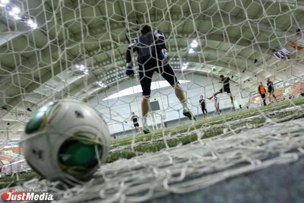 Четыре футболиста «Урала» отправились играть за национальные сборные