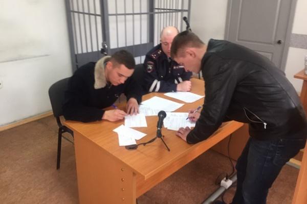Воскресным утром пьяные мажоры на тонированном Opel спровоцировали погоню в центре Екатеринбурга