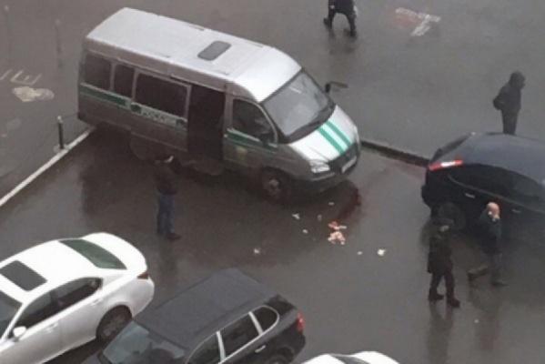 В Екатеринбурге скончался пристав, пострадавший при попытке арестовать внедорожник фигуранта дела МУГИСО