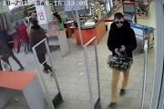 Ограбление по-уральски. В Екатеринбурге двое креативных воров украли корзину кофе из магазина. ВИДЕО