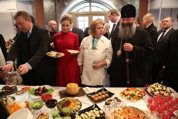 Мастер-класс от «Уральских пельменей» и соленья из монастырей. В Екатеринбурге пройдет Фестиваль постной кухни