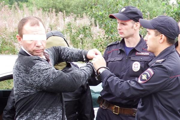 В Екатеринбурге таксист, убивший 22-летнюю пассажирку, проведет за решеткой почти 10 лет и заплатит миллион рублей родственникам