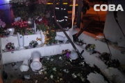 Ночью на Щорса неизвестные подожгли цветочный киоск вместе с реализатором. ФОТО