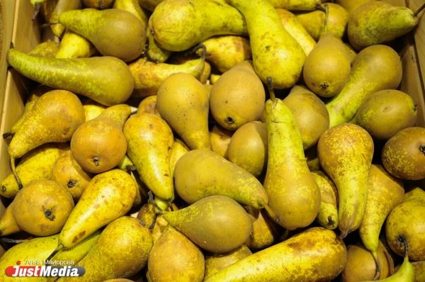 Россельхознадзор уничтожил 7,5 тонн яблок, груш и помидоров. Санкционку нашли на 4-й овощебазе