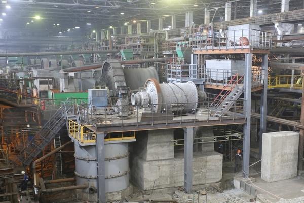 На обогатительной фабрике Гайского ГОКа завершается монтаж новой мельницы