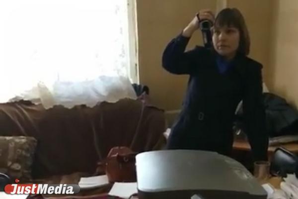 «Окружили, затолкнули в кабинет и снимали на видео». Адвокат из Екатеринбурга жалуется на произвол сотрудников полиции. ВИДЕО