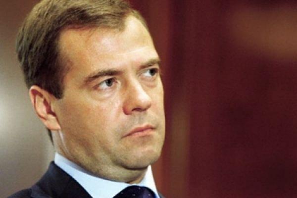 Кабмин продолжит работу подостижению характеристик «майских указов»— Медведев