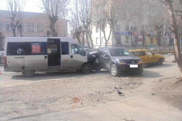 Уволен шофёр маршрутки, спровоцировавший массовое ДТП вЕкатеринбурге