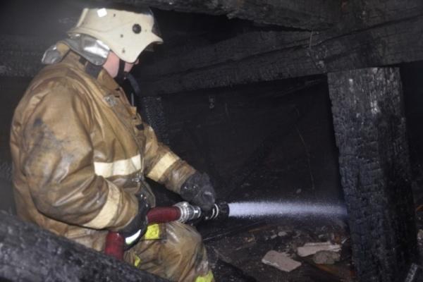 Одинокий пенсионер устроил страшный пожар в городке чекистов. ФОТО