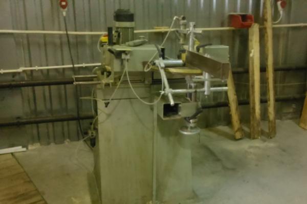 Приставы арестовали вПервоуральске станки для изготовления пластиковых окон